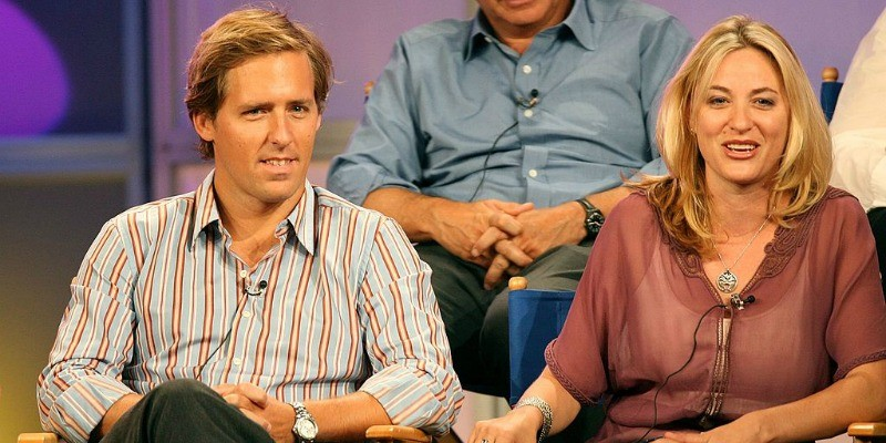 Nat Faxon and Jamie Denbo are sitting next to each other on a panel for Happy Hour.