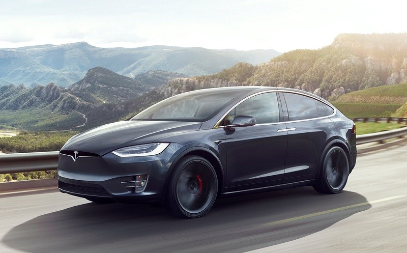 View of the 2017 Tesla Model X in black from driver's side profile