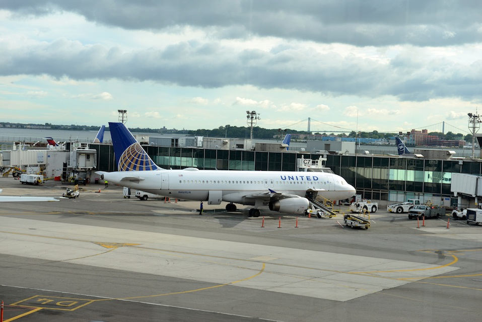 United Airilnes aircraft at LaGuardia Airport,