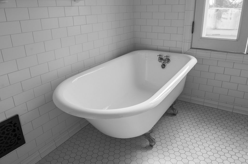 cast iron tub