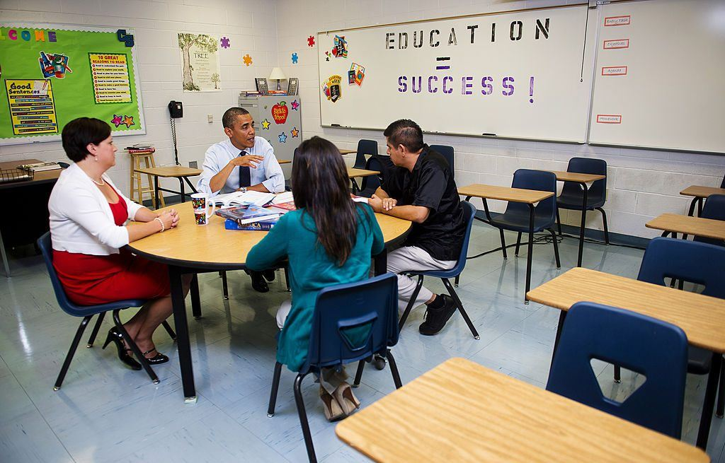 Barack Obama meets with teachers