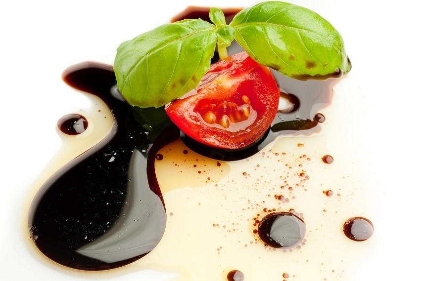 slice tomato and basil