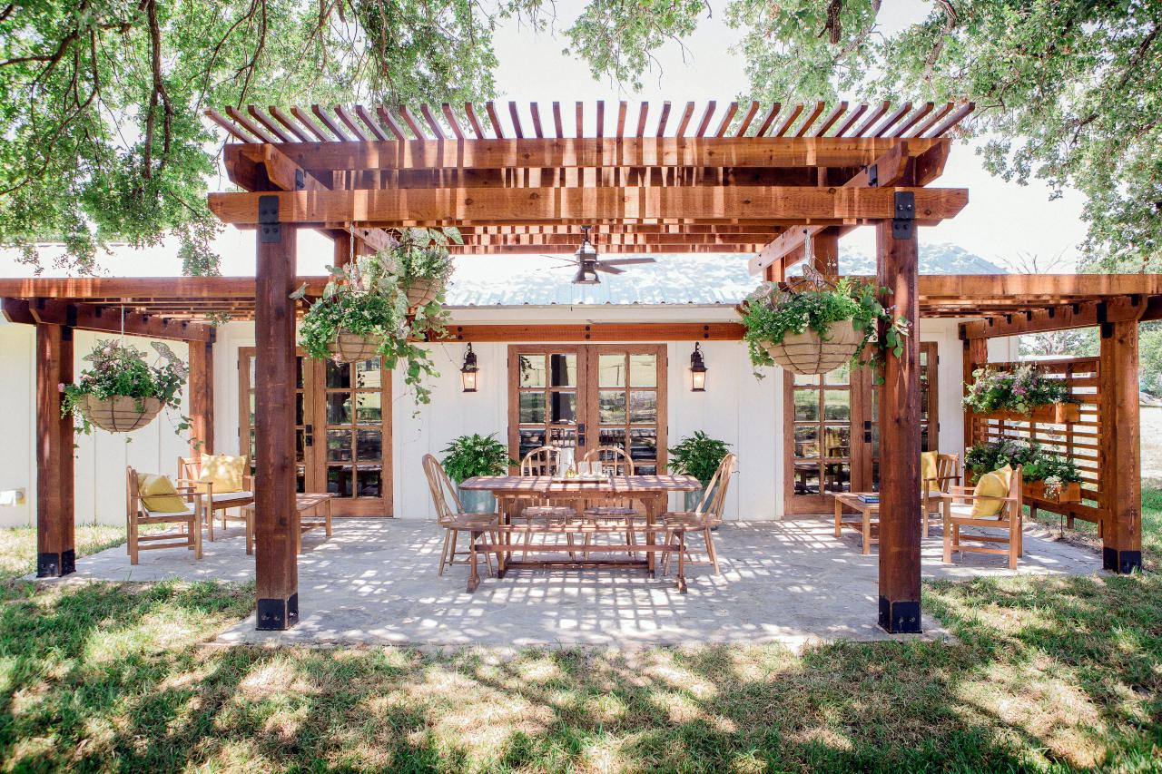 A patio outside a home on HGTV's 'Fixer Upper'