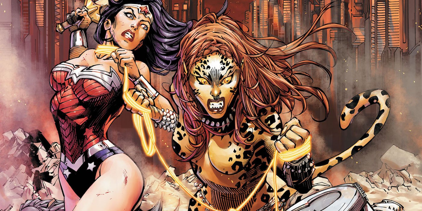 Wonder Woman fights against Cheetah in a DC Comics issue