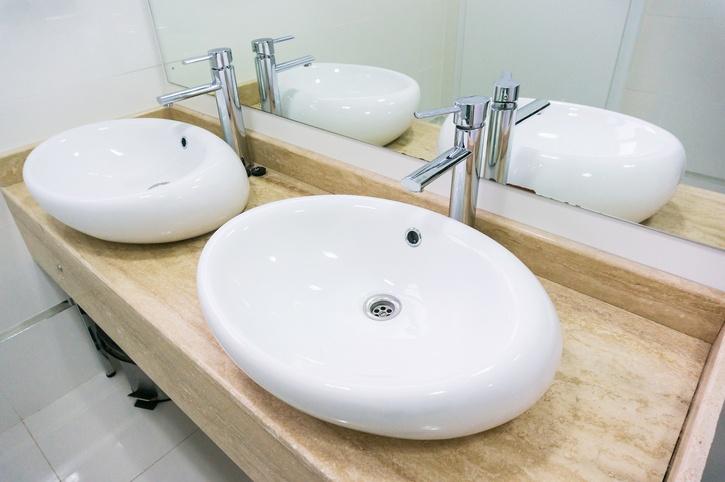 Double sink in restaurant
