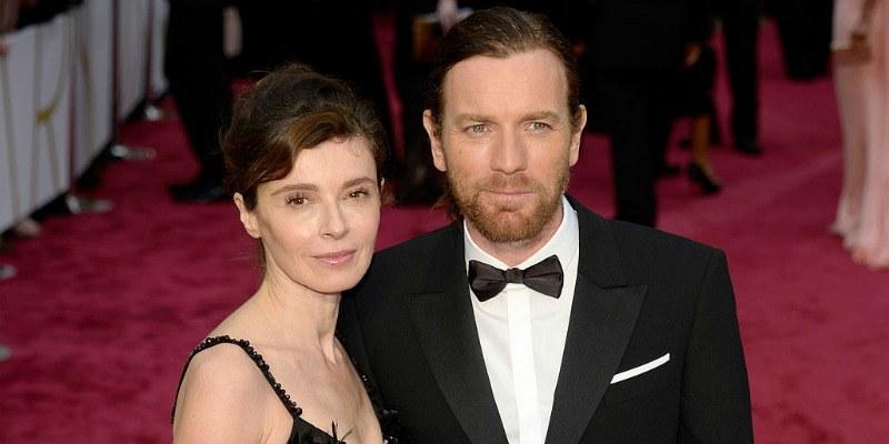 Ewan McGregor and Eve Mavrakis pose together on the red carpet.