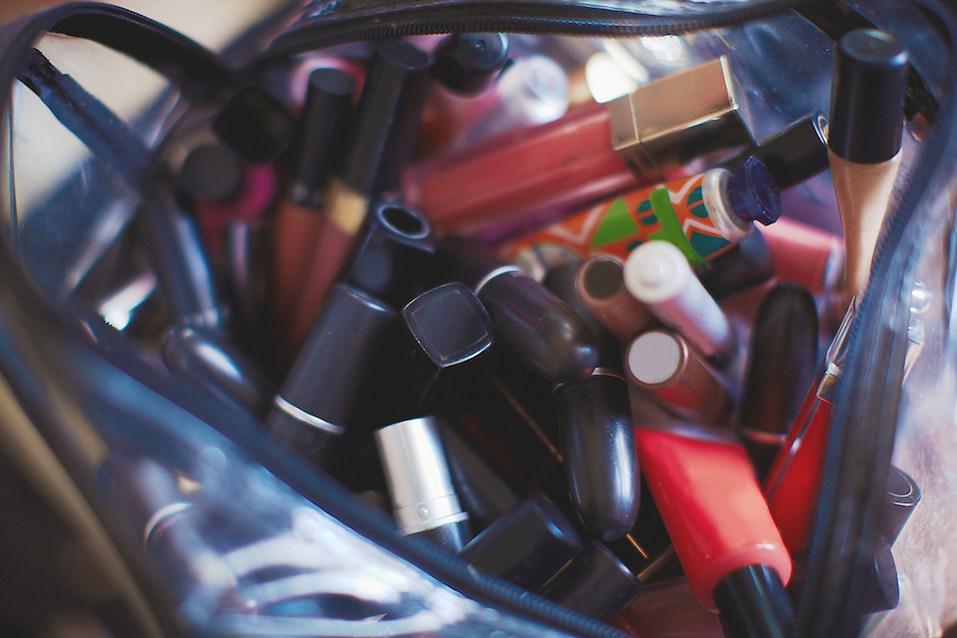 Make up tools set messy in girls bag