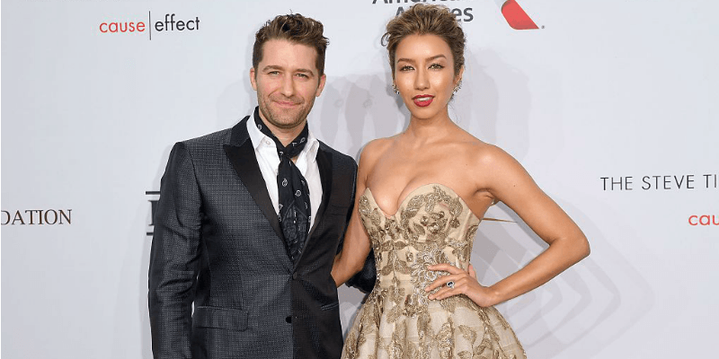 Matthew Morrison and Renee Puente pose together on the red carpet.