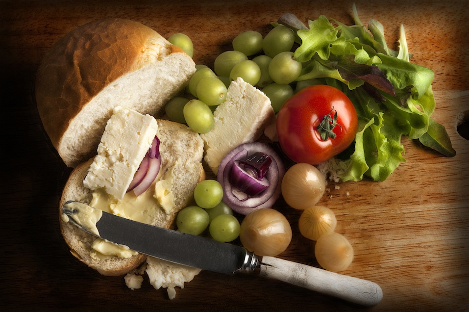 Traditional British Ploughman's lunch