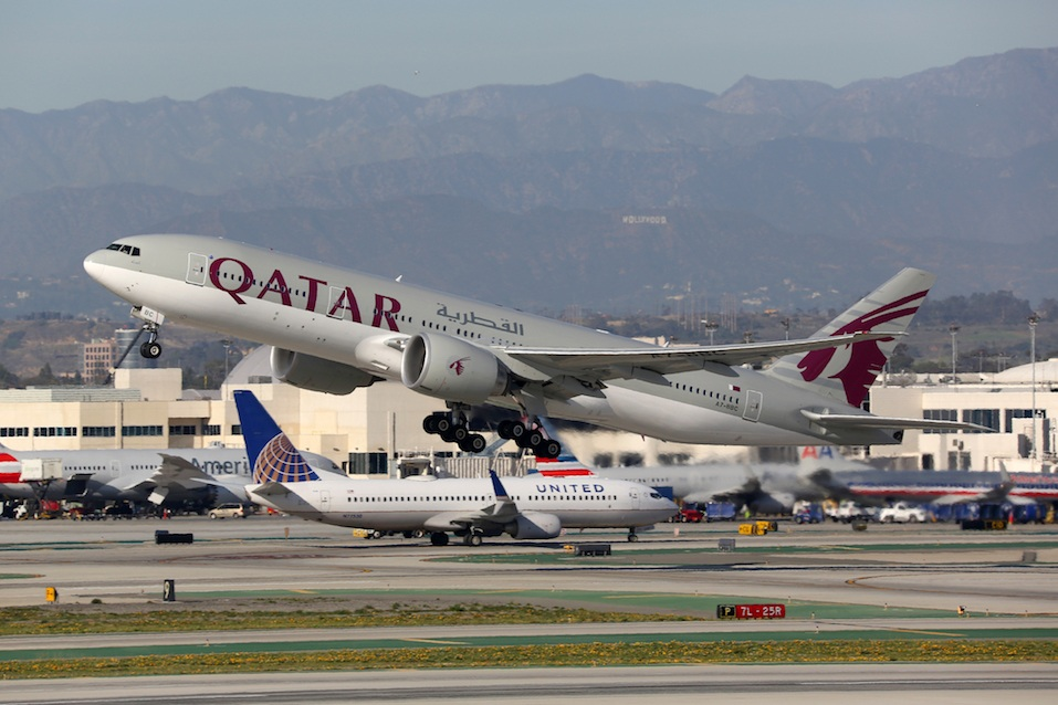 Qatar Airways Boeing 777-200 airplane Los Angeles International Airport
