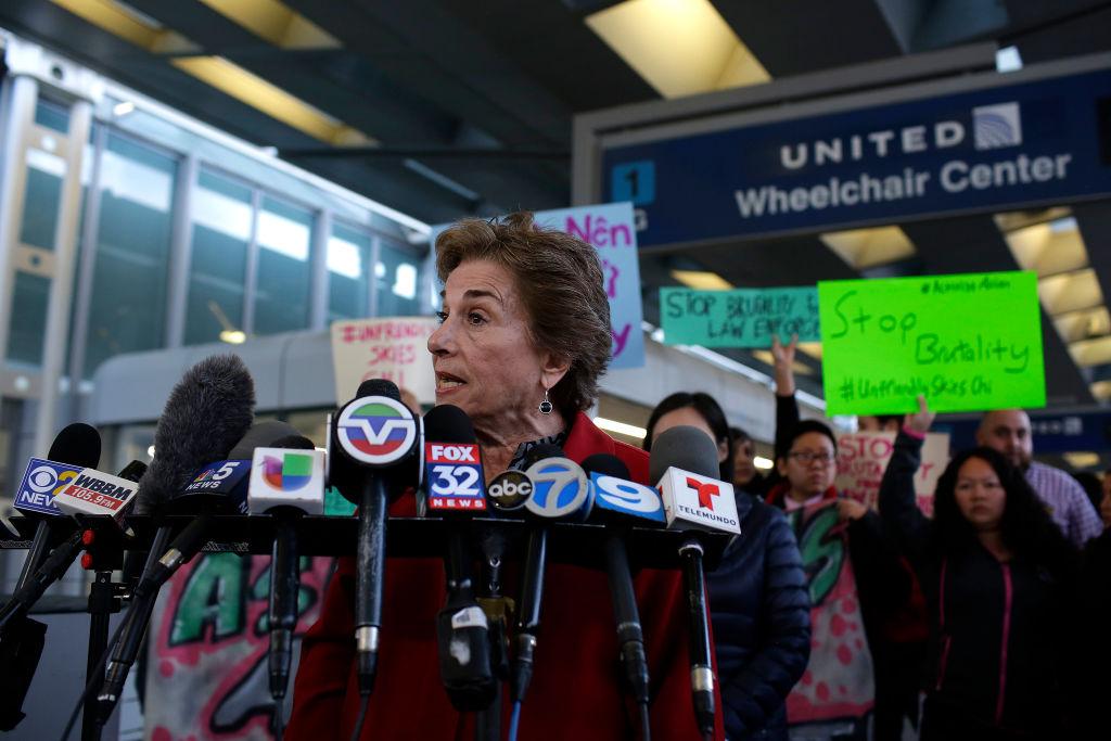 Congresswoman Jan Schakowsky (D-IL) speaks out against United Airlines