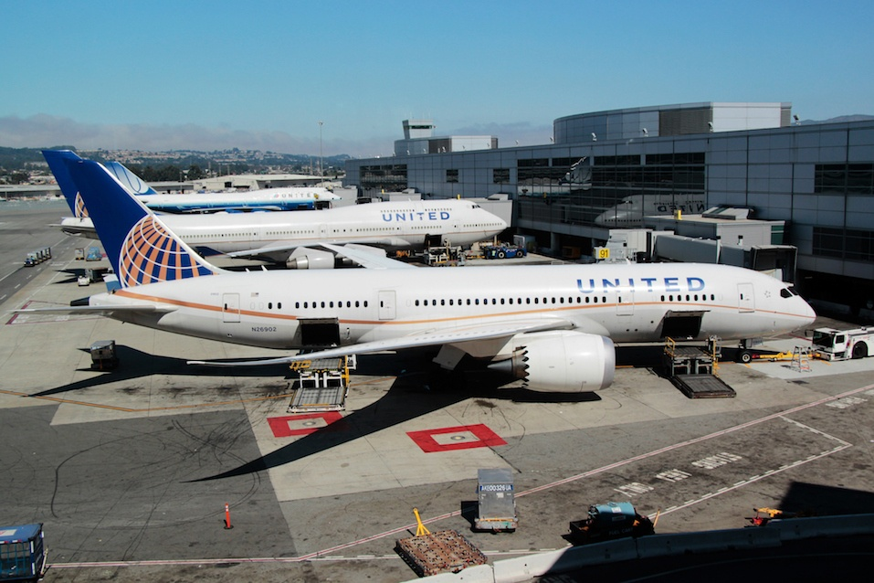 United Airlines Boeing 787 at San Francisco International Airport