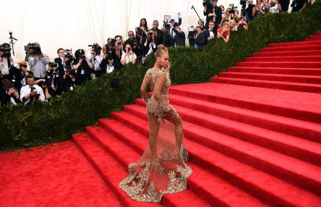 Singer Beyoncé arrives at the 2015 Metropolitan Museum of Art's Costume Institute Gala benefit in honor of the museums latest exhibit China: Through the Looking Glass May 4, 2015 in New York.