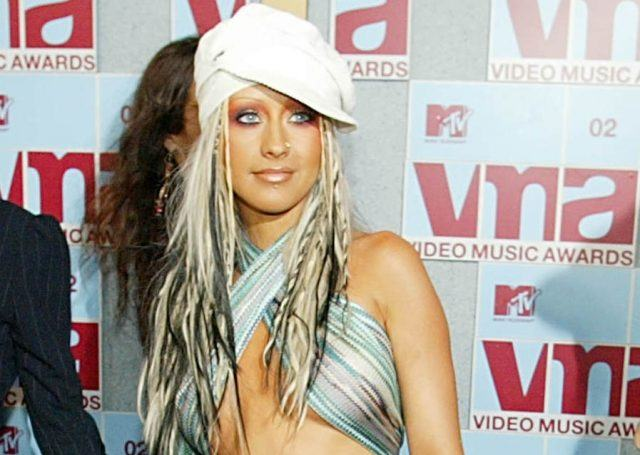 Singer Christina Aguilera arrives at the MTV Video Music Awards 29 August, 2002 in New York.