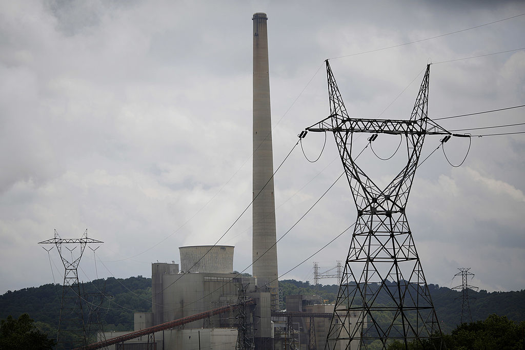 The Appalachian Electric Power coal-fired Big Sandy Power Plant is seen June 3, 2014 in Cattletsburg, Kentucky. New regulations on carbon emissions proposed by the Obama administration have reportedly angered politicians on both sides of the aisle in energy-producing states such as Kentucky and West Virginia.