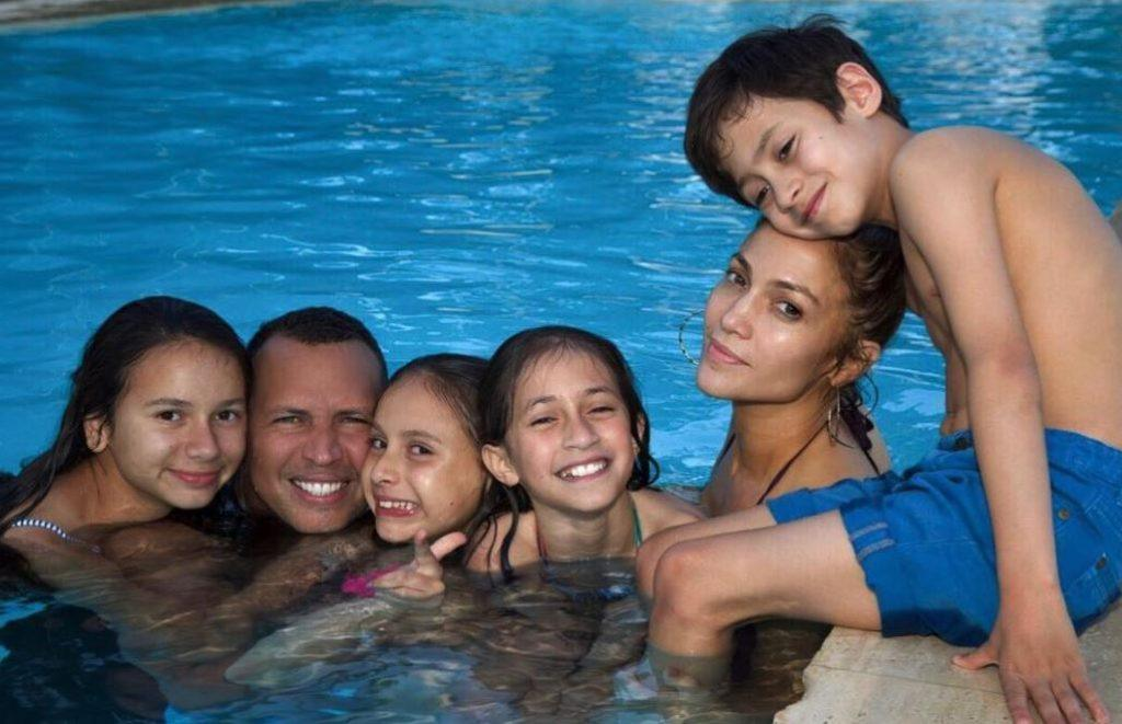 Jennifer Lopez with her kids, her boyfriend, and his daughters