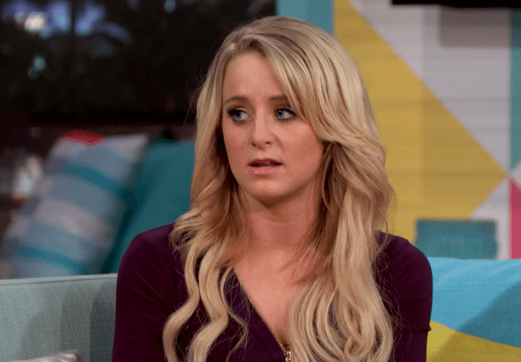 Leah Messer looks to the side worried