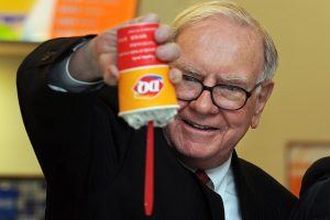 The Incredibly Nerdy Reason Billionaire Warren Buffett Eats Like a Little Kid