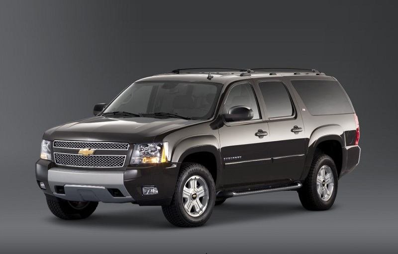 Front three-quarter view of Chevy Suburban from driver's side, 2014 model year
