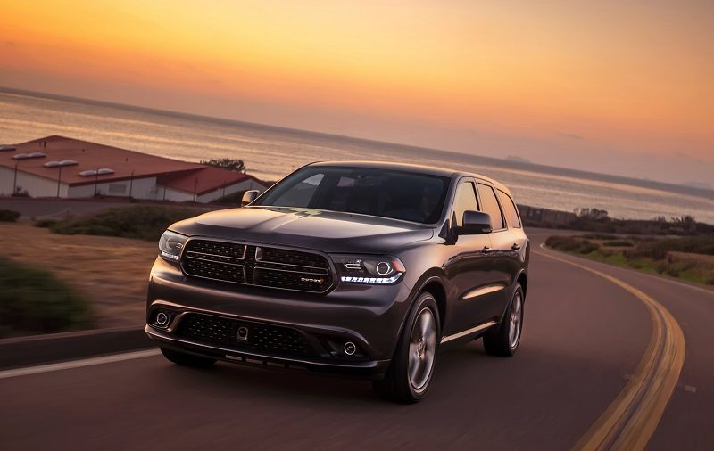 Front three-quarter view of 2014 Dodge Durango from driver's side