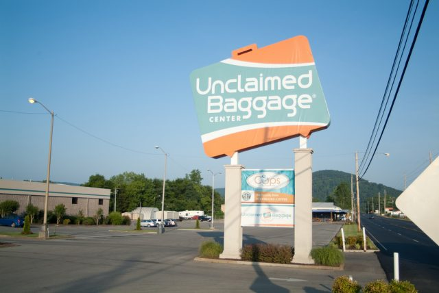Unclaimed Baggage Center exterior sign