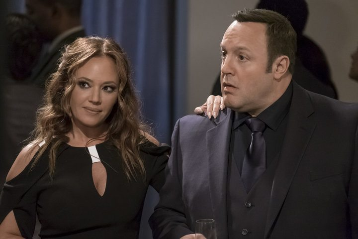 Leah Remini lays her hand on Kevin James' shoulder in Kevin Can Wait