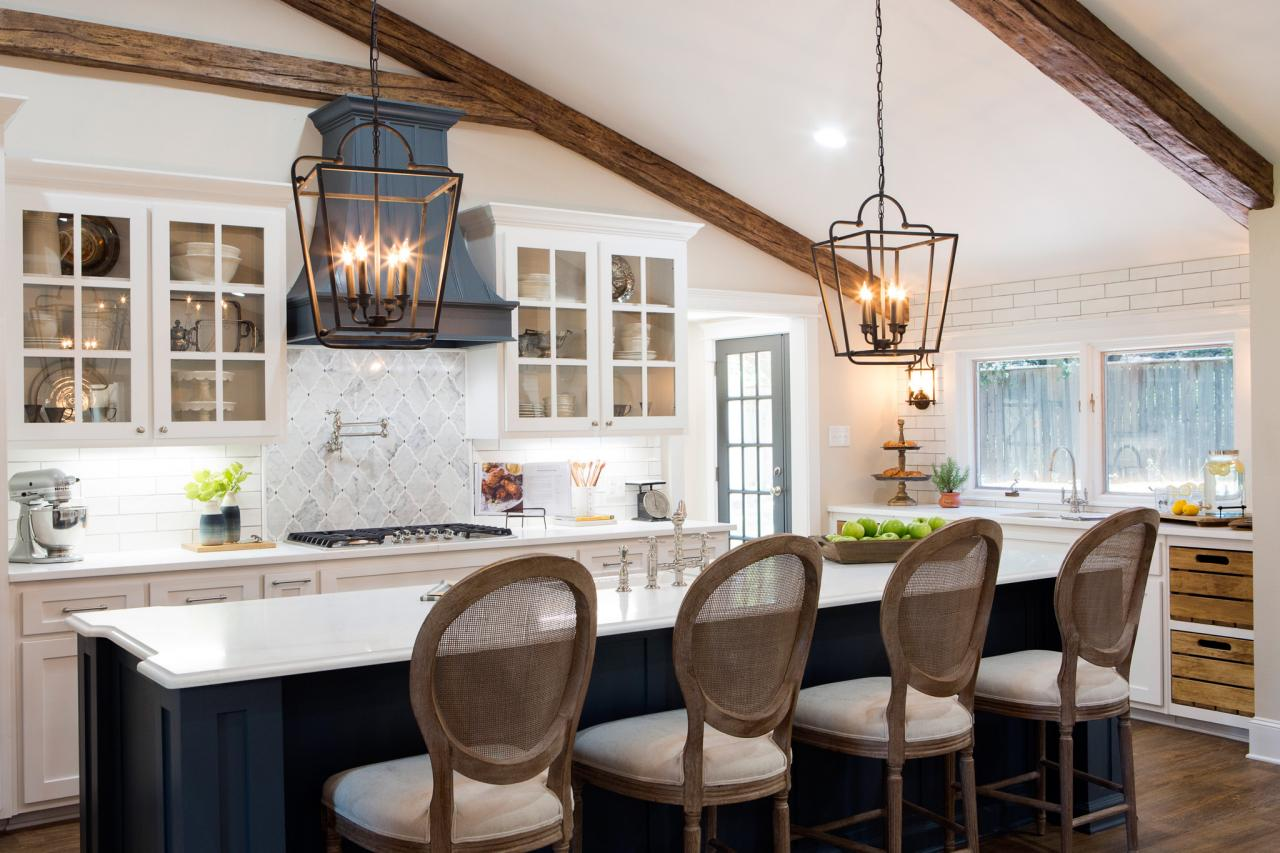 Fixer Upper Hgtv Kitchen Island Booth Kitchen With Dark