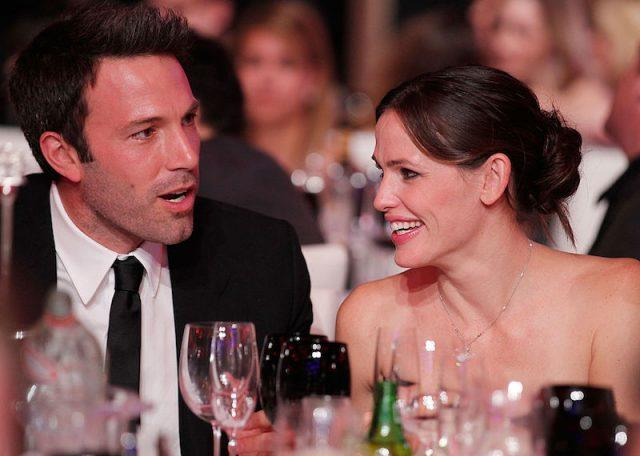 Ben Affleck and Jennifer Garner sit at a table at the Critic's Choice Awards.