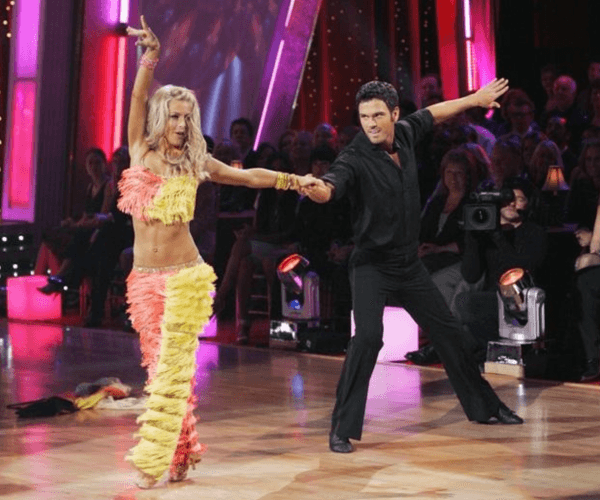 Chuck Wicks and Julianne Hough on 'DWTS'.