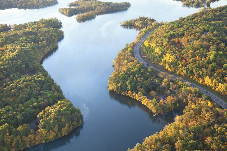 Curving road along the Mississippi River near Brainerd