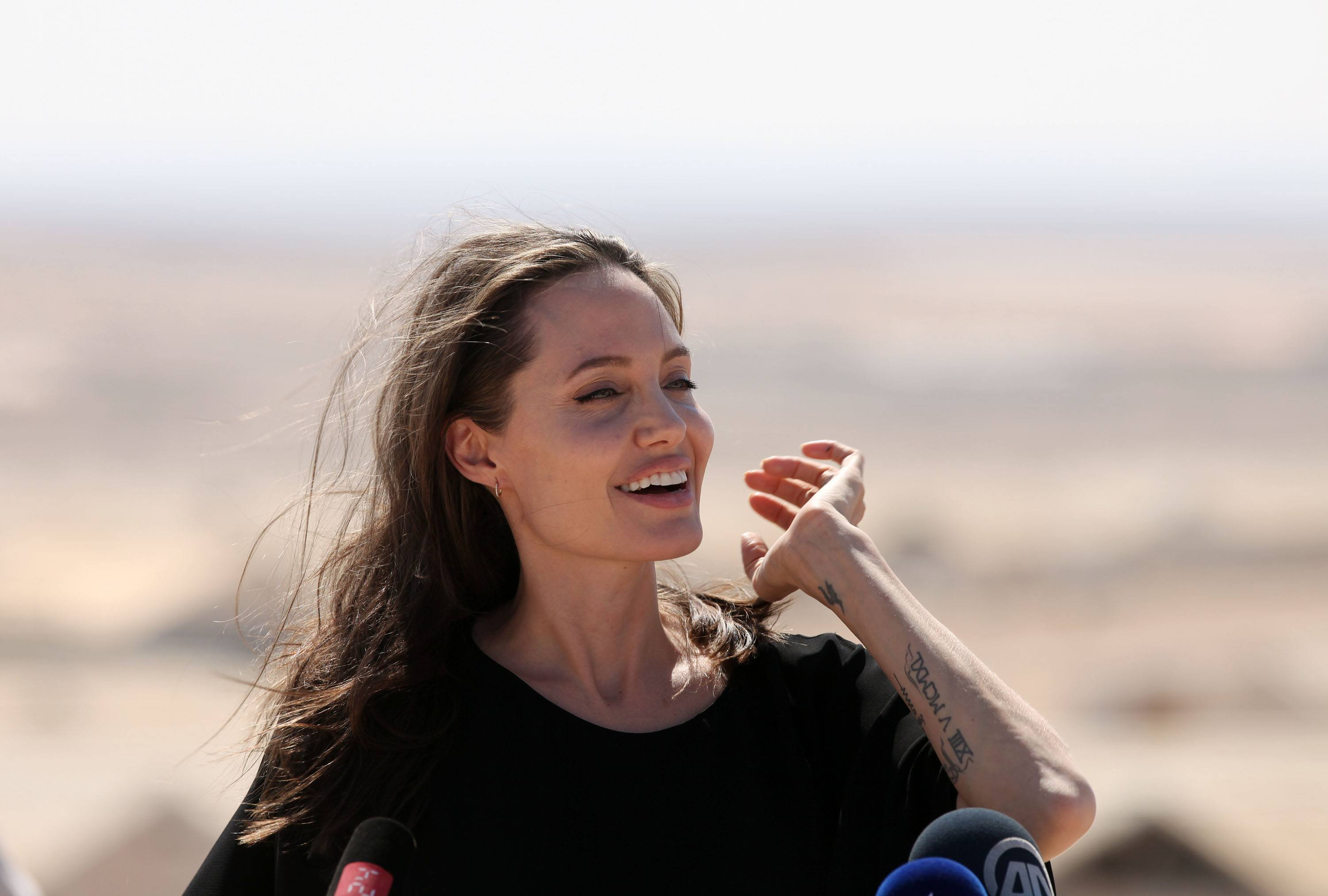 Angelina Jolie holds a press conference at Al- Azraq camp for Syrian refugees on September 9, 2016, in Azraq, Jordan