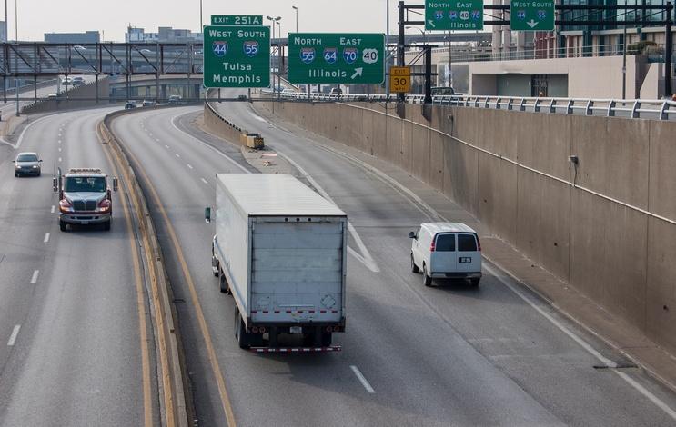 St. Louis, highway overpass