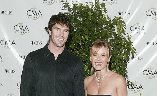 Trista and Ryan Stutter pose at a red carpet event.
