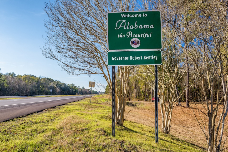 Welcome to Alabama road sign on US-84 near Gordon