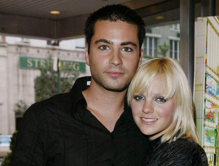 Anna Faris with her arms around then-boyfriend Ben Indra at a premiere