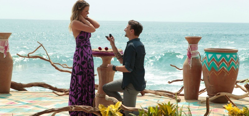 Evan proposes to Carly in Bachelor in Paradise.