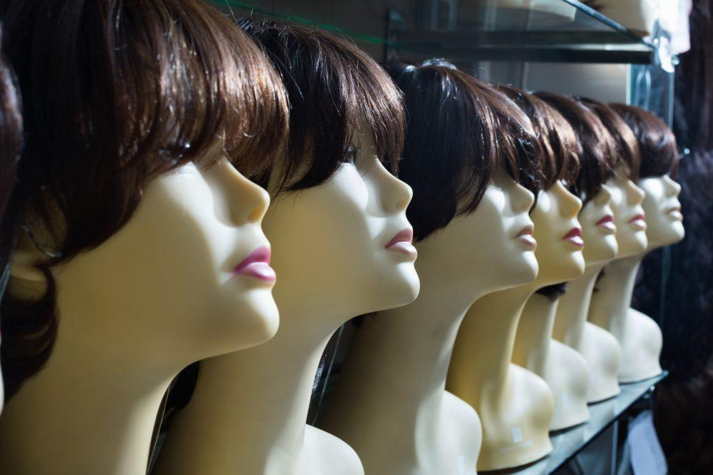 Mannequin heads with brunette wigs