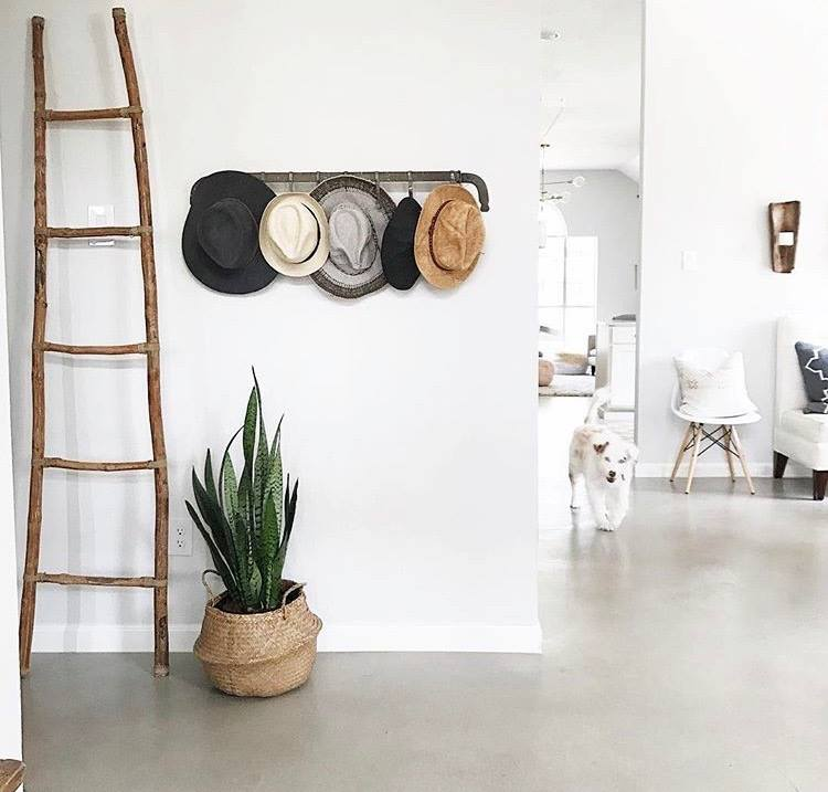 Front entry way chic