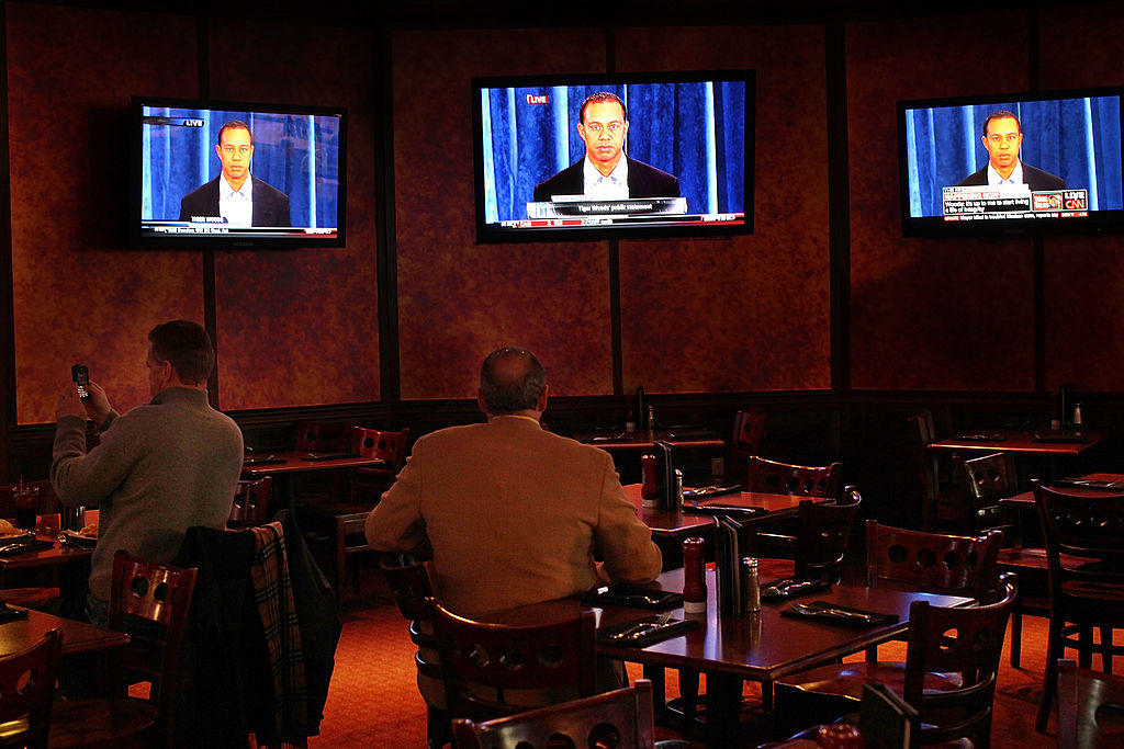 People watch Tiger Woods on ESPN