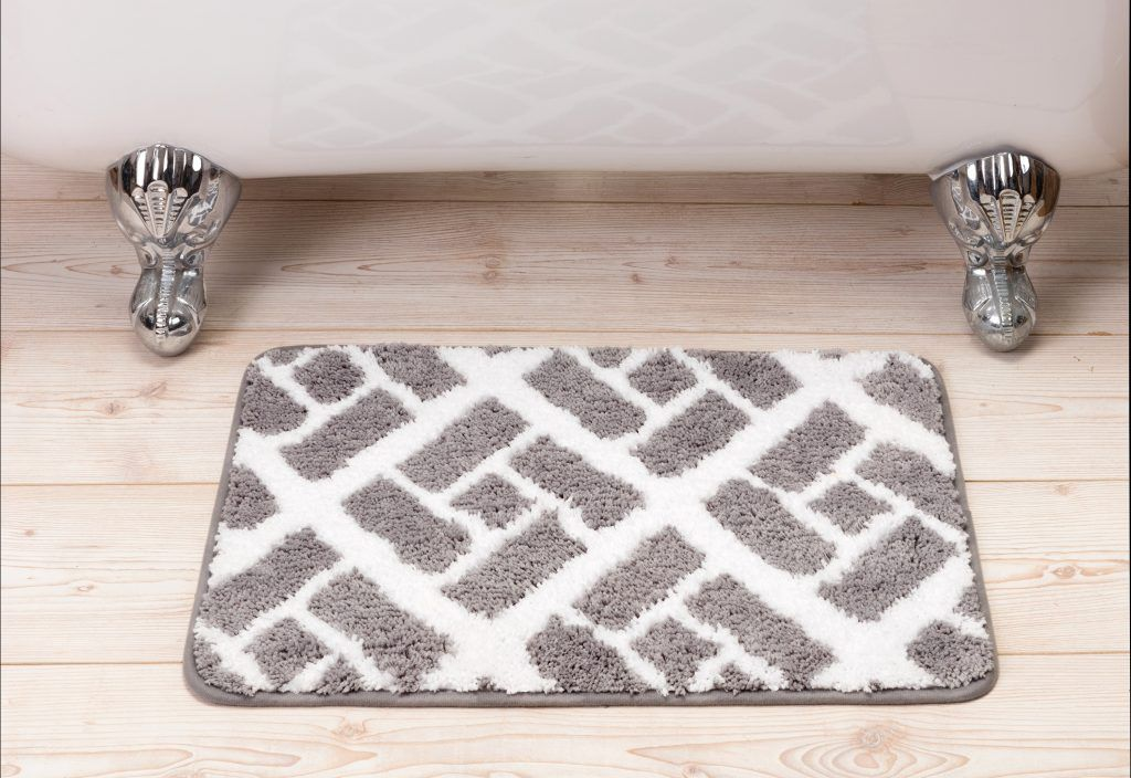 Gray and white patterned bathmat