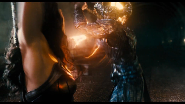 Steppenwolf fighting Wonder Woman in Justice League