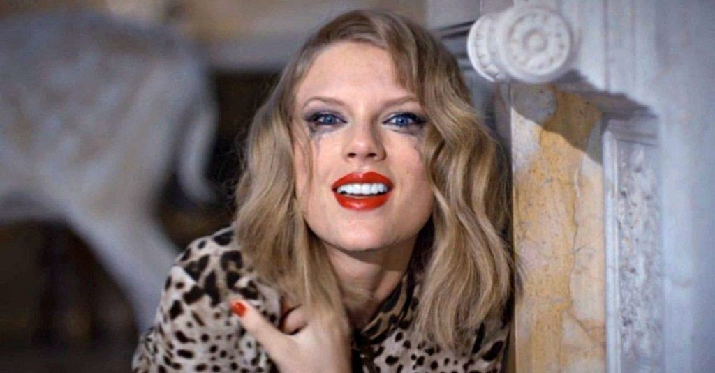 Taylor Swift in the 'Black Space' music video