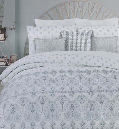 white and blue comforter set