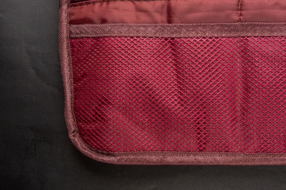 Burgundy travel bag organizer with pockets
