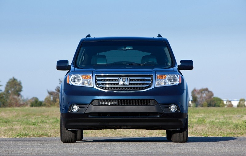 Front view of 2014 Honda Pilot Touring with AWD