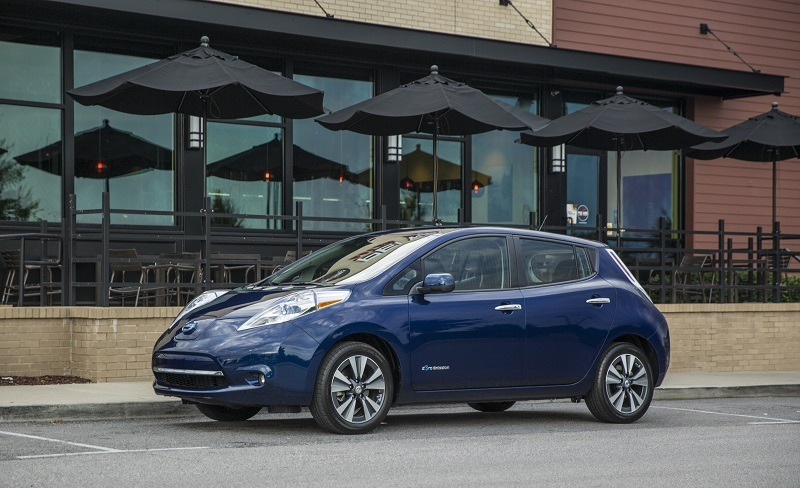 For the 2016 model year, LEAF adds a number of significant enhancements – beginning with a new 30 kWh battery for LEAF SV and LEAF SL models that delivers an EPA-estimated driving range of 107 miles* on a fully charged battery.
