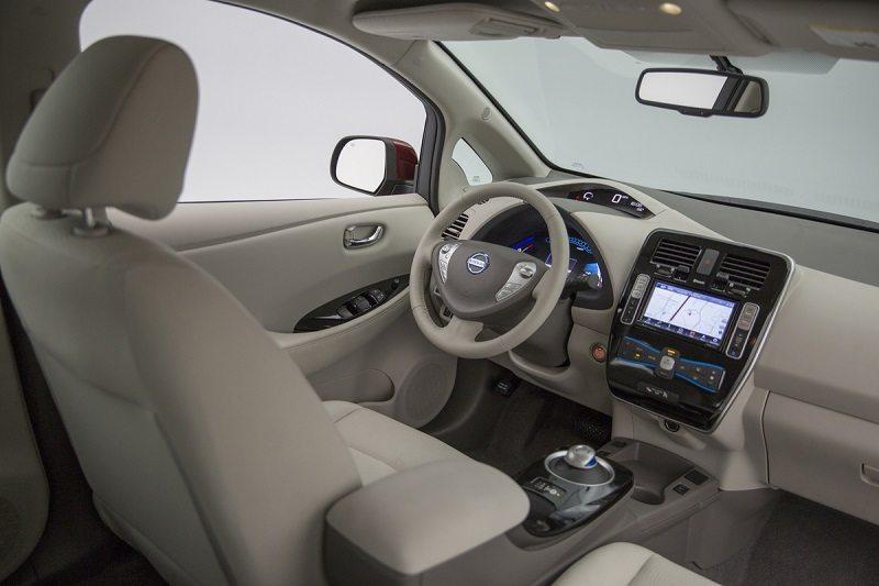 Interior shot of 2016 Nissan Leaf