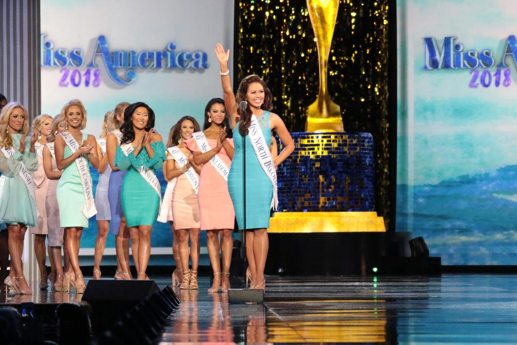 Cara Mund in Miss America pageant
