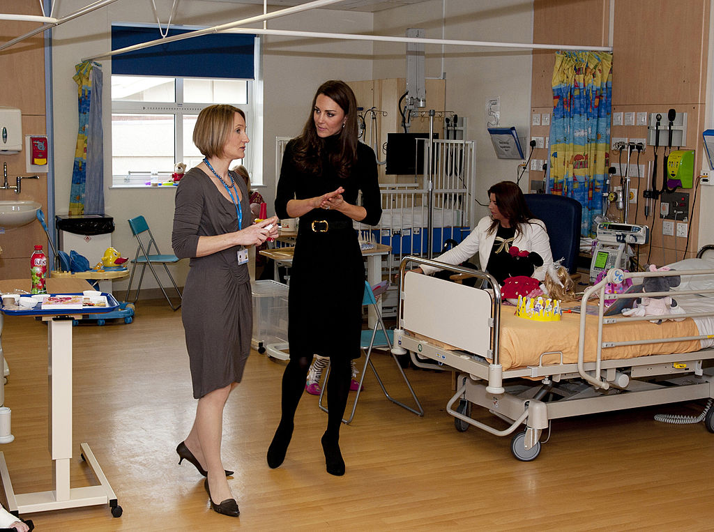 Kate Middleton visits hospital