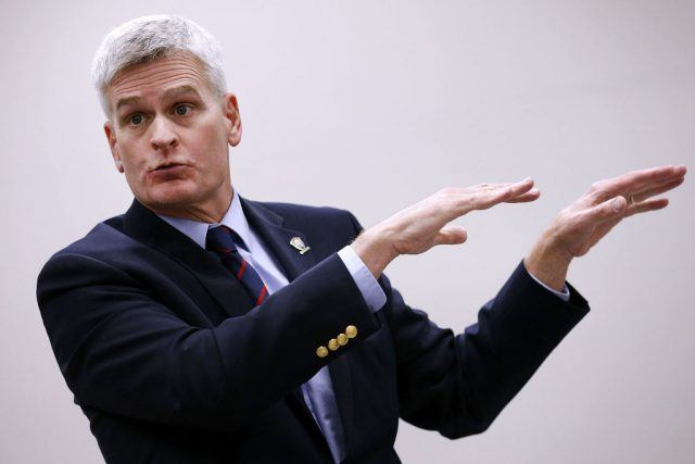 Sen. Bill Cassidy (R-LA) shows that he does have arms, just like a real human